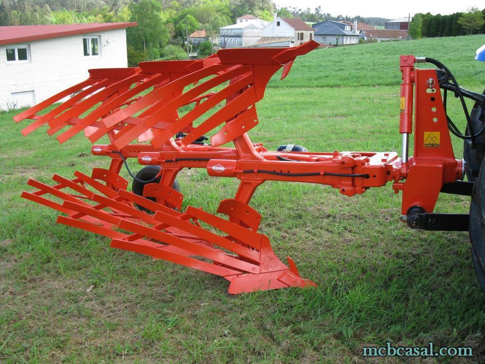 Arado Kuhn - Huard trisurco con láminas 9