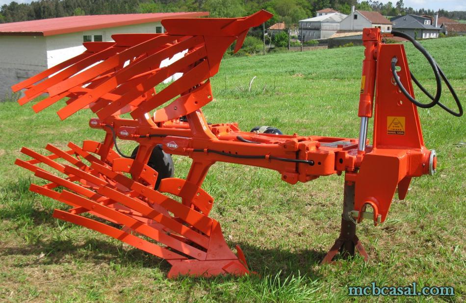 Arado Kuhn - Huard trisurco con láminas 8