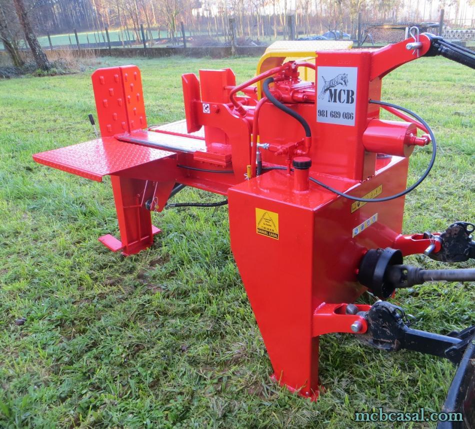 Astilladora de leña horizontal con mesa de levantar 5