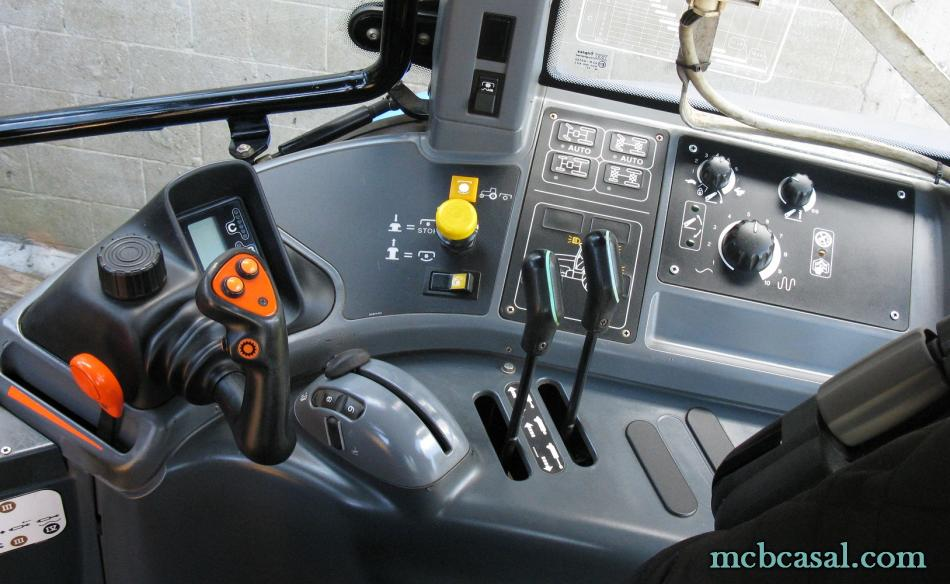 New Holland TM 135 10
