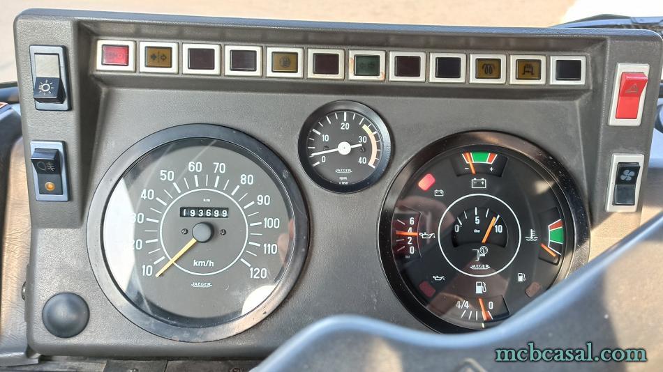 Camión Nissan L35.09 4